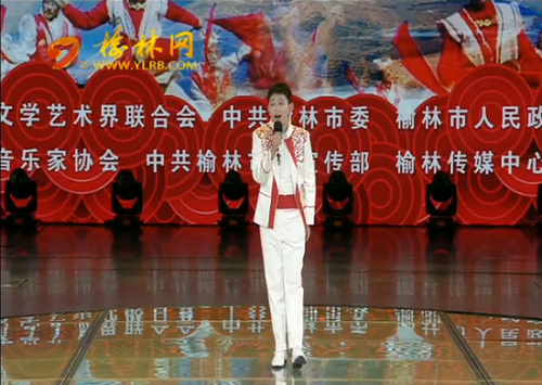 点击观看《榆林陕北民歌大赛复赛:选手献唱拿手曲目 网络直播共飨艺术盛宴》